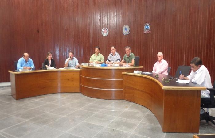 Vereadores querem melhores estradas em Monte Belo