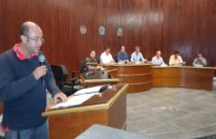 Vereadores debatem impasse com Concurso público e lei municipal